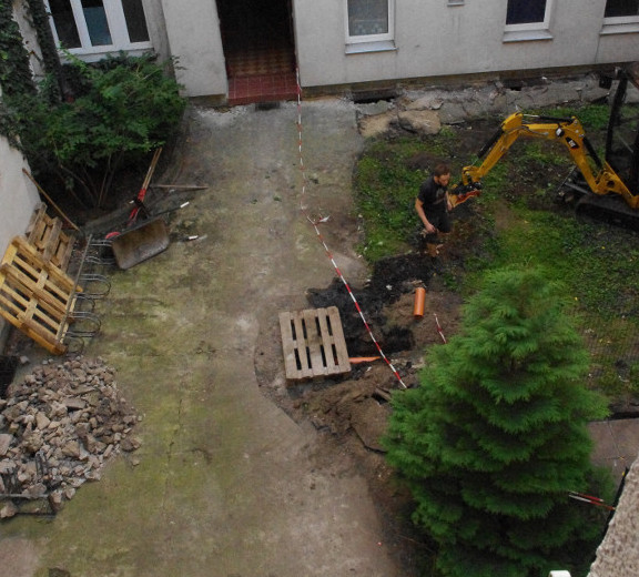 Hinterhof in Berlin Friedrichshain vor der Sanierung