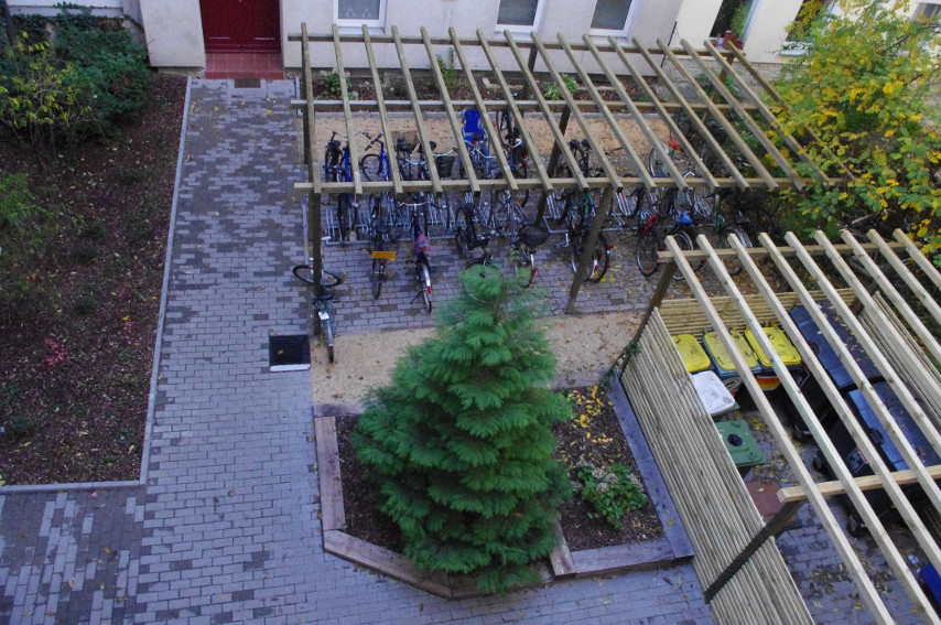 Hinterhof nach der Sanierung